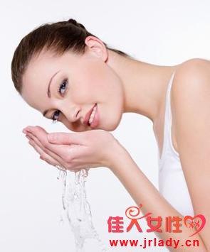 洗脸的正确方法