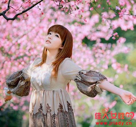 揭秘12生肖最旺桃花颜色