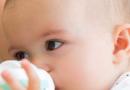 不想养出胖宝宝 要避免下面几种喂养方式