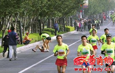 张宝强遭到殴打 本组图片均由本报记者 闫文青 摄