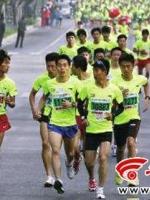 男子赛跑时同一地点两次被打仍夺亚军(图)