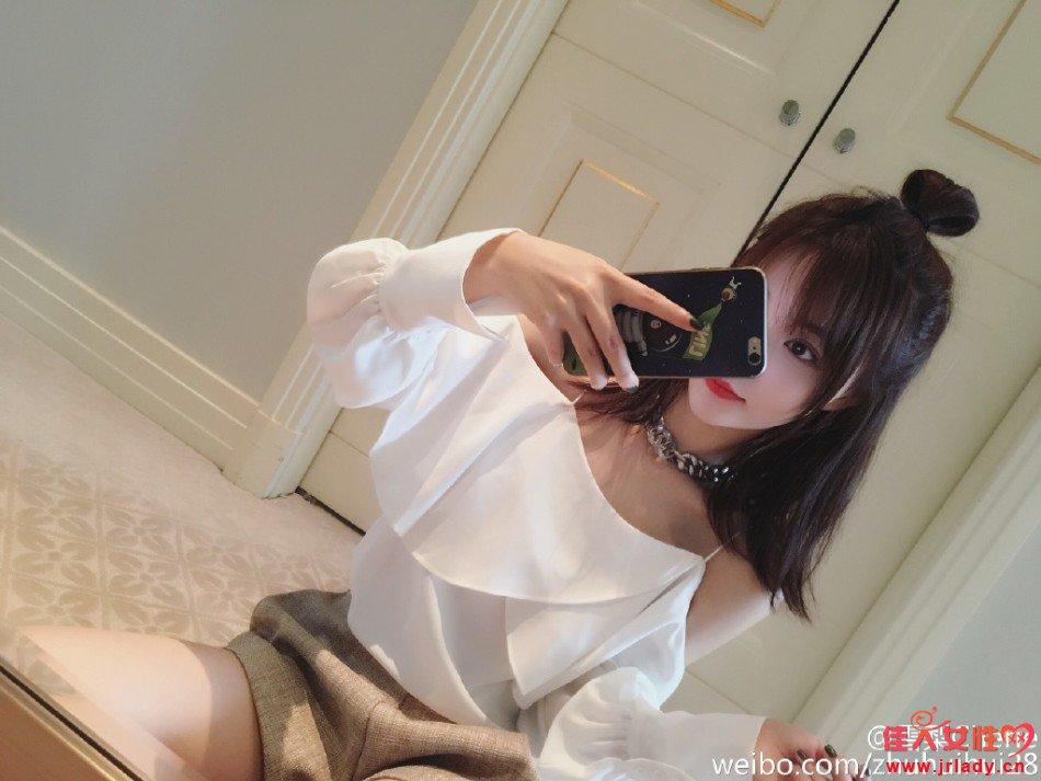 王思聪网红女友雪梨晒自拍 人如其名甜蜜多汁(图)