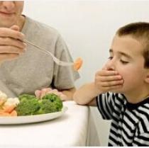 吃饭时别教育孩子  亲子教育别忽略哦