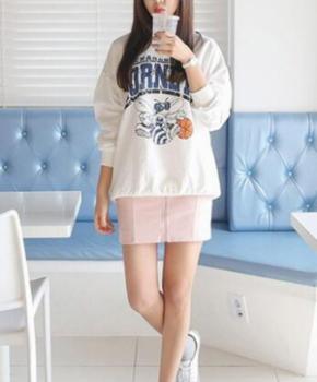 韩版卫衣搭配 配短裙青春少女风