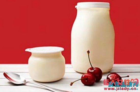 便秘时喝酸奶可以帮助排便吗 关于便秘的误解可太多了