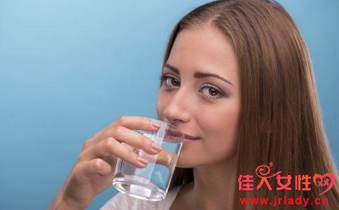 什么时候要给身体补水 喝水好吗 喝水有什么好处