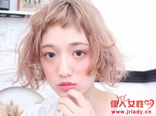眉上短刘海发型图片 二次元萌感露眉