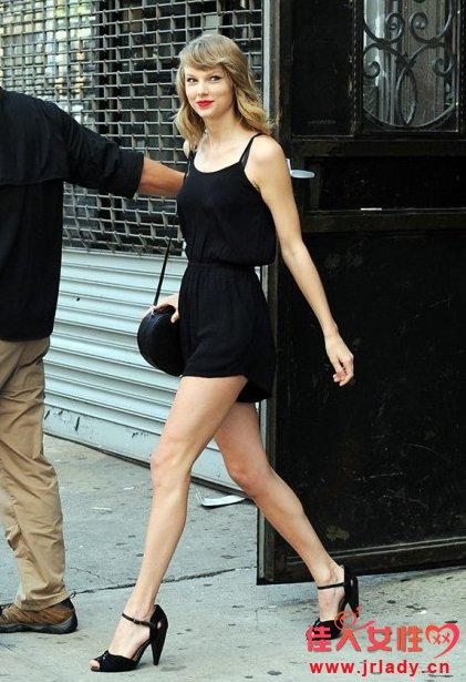 Taylor Swift最新街拍彰显夏季时尚 优雅气质爆棚惹人爱