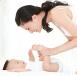 你是怎样给宝宝换尿布的 换尿布和纸尿裤的窍门