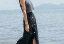 黑色半身裙配什么上衣最亮眼 揭显气质的黑色半身搭配技巧