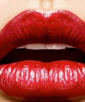 唇色浅好还是深好 用什么颜色口红好