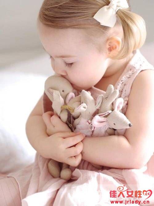 小婴儿要不要睡枕头 如何选择婴儿枕
