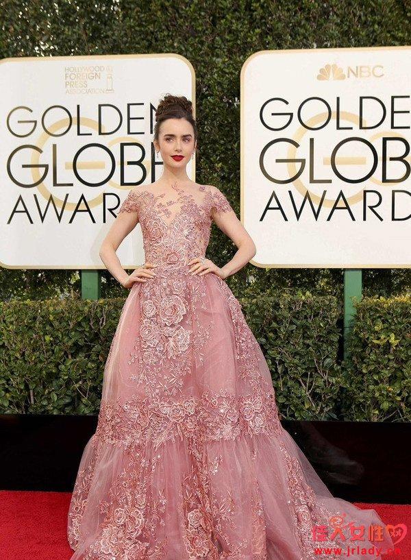粉色才是检验女星颜值的最高标准 没毛病