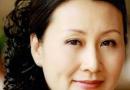 50岁左右的女性适合什么发型 首选偏分刘海