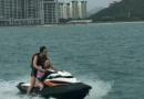 王思聪带美女开快艇玩被浪打翻 上岸一幕太尴尬(图)