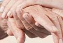 乳房疼痛是怎么回事 乳腺增生早期的症状