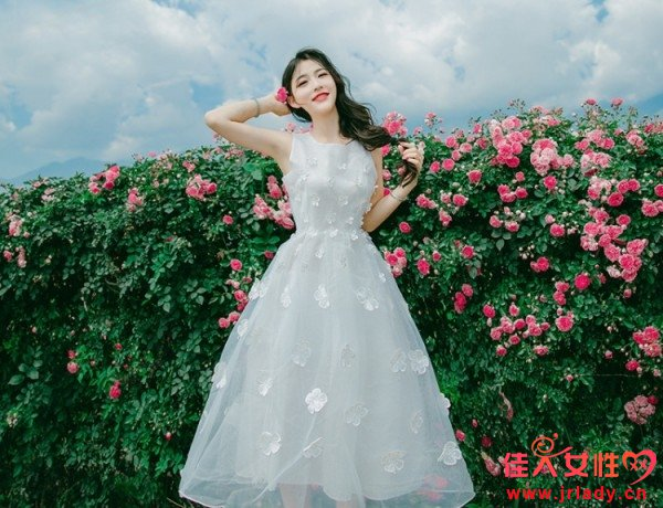 优雅淑女的欧根纱连衣裙 哪些欧根纱连衣裙款式