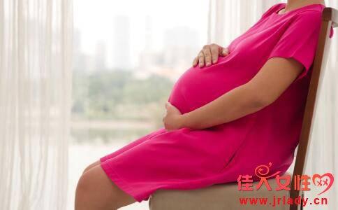 孕晚期尿频不分昼夜 三个方法缓解孕晚期尿频