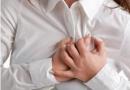 乳房刺痛是什么原因?不同生理阶段原因不同