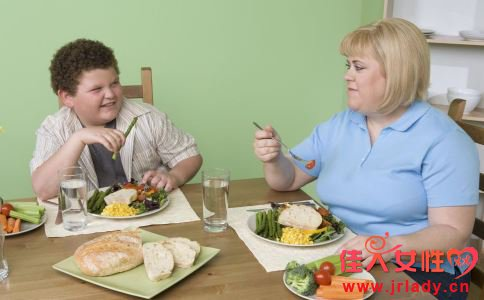 导致儿童肥胖的原因 儿童肥胖原因 儿童肥胖的原因