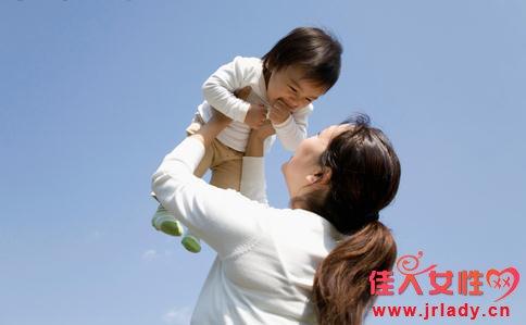 坐月子新生儿护理 新生儿护理注意事项  新生儿月子护理