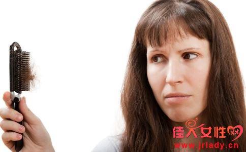 油脂性脱发怎么办,应多吃富含维生素的食物