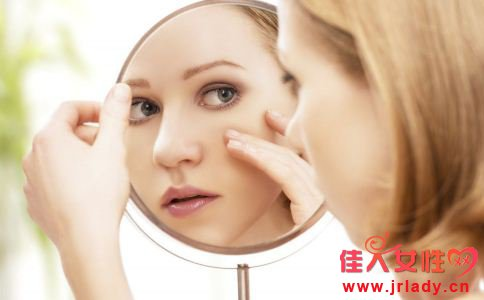 为什么脸上会长斑 脸上长斑的原因有哪些 吃什么食物能祛斑淡斑