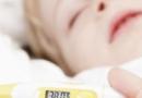 宝宝拉肚子不严重应如何护理 九种情况宝宝需及时就医