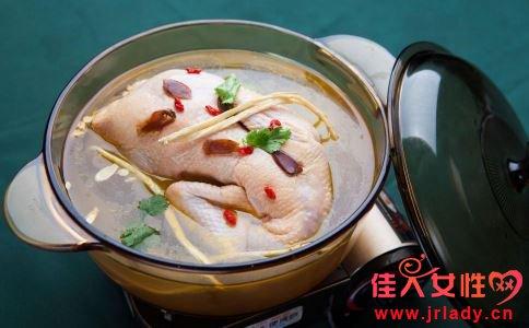 冬季煲汤好吗 冬季煲汤要注意什么 冬季如何煲汤