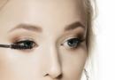 清透单眼皮眼影妆的化妆技巧