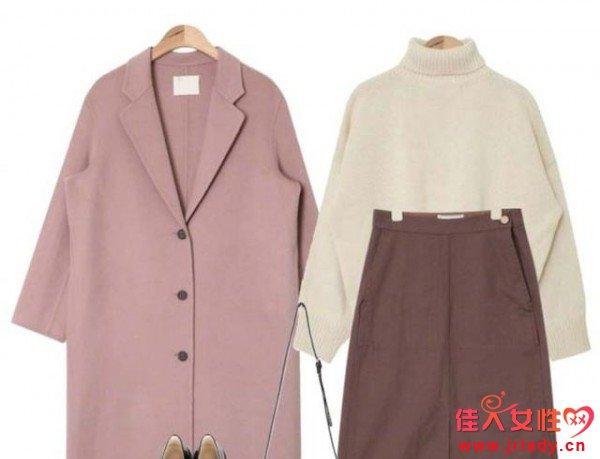 粉色呢子大衣好看吗 粉色呢子大衣适合与什么搭