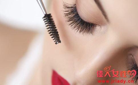 如何让睫毛变长 让睫毛长长的方法 怎么让睫毛长长