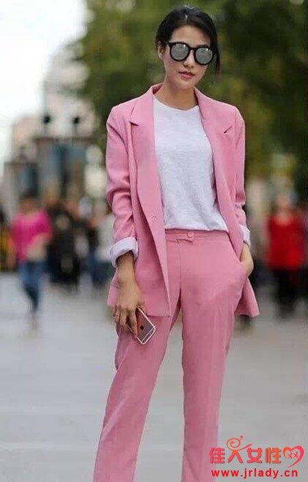 用粉色穿出气质 粉色衣服该如何驾驭