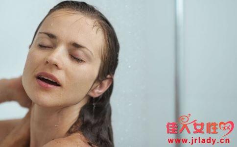 烫发对头发的伤害 烫发伤头发吗 烫发后如何调理头发