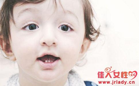 宝宝乳牙怎么护理 如何护理宝宝乳牙 护理宝宝乳牙注意什么