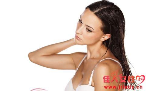 经期为什么不能洗头 经期洗头有什么危害 经期正确的洗头方式