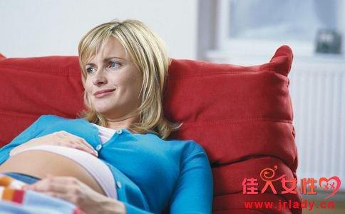 妻子宫外孕出血丈夫拒手术 宫外孕出血拒手术 导致宫外孕的原因