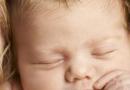 宝宝头发竖着长是怎么回事 一起来看看原因吧
