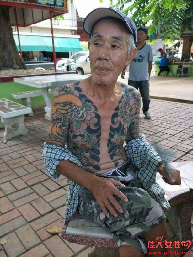 日本黑帮老大被抓 因纹身太帅被抓走