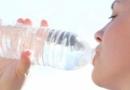 每天需要喝多少水 喝水主要功效有哪些
