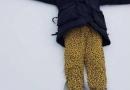 黄宗泽躺雪地打滚秒变小朋友兴奋到不行 迷之豹纹裤子实力抢镜