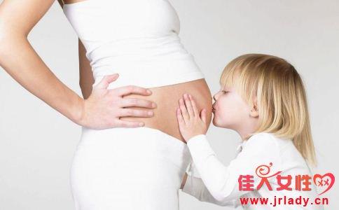 女性怀孕早期的症状表现有哪些 女性怀孕早期要注意什么 女性怀孕早期的注意事项有哪些