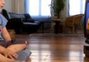 为何要陪孩子一起看电视 如何引导孩子看电视