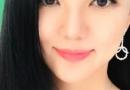 李湘晒了张自拍 为减龄显脸小她真是豁出去了