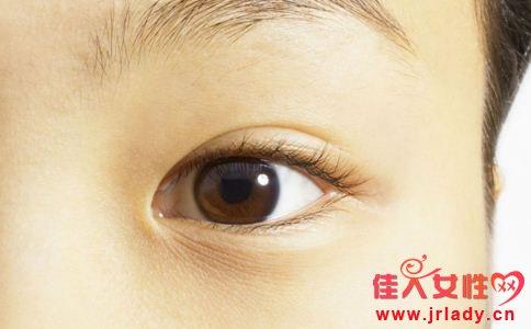 如何去除黑眼圈 黑眼圈的原因有哪些 去除黑眼圈的小妙招