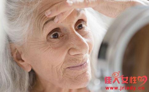 女人怎么防止衰老 女人怎么延缓衰老 女人该怎么做好防晒
