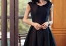 正品小黑裙将曼妙的曲线包裹得婀娜妩媚