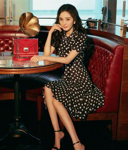 杨幂baby李沁等女星都爱的波点元素怎么穿才美?