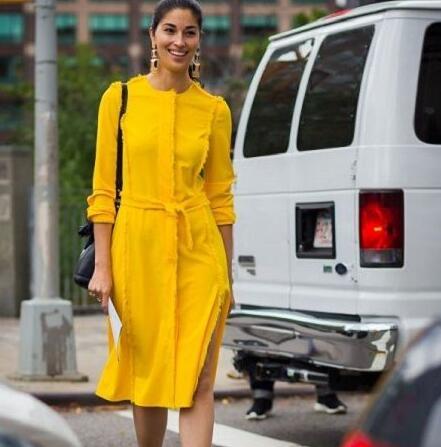 皮肤黑黄穿什么颜色好看?这5种颜色最提亮肤色