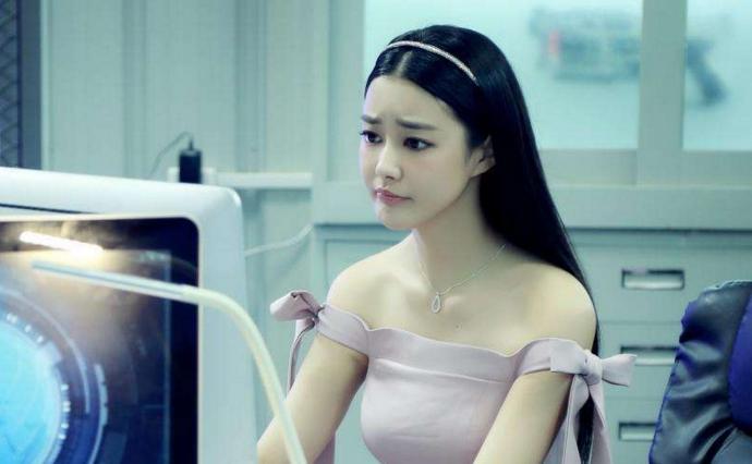 童菲甄琪很像吗
